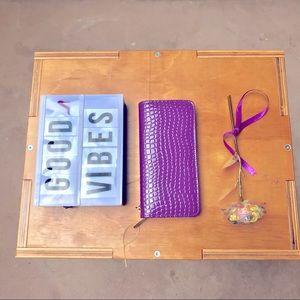 Wallet Women's Purple Faux Leather Zip Clutch NWOT